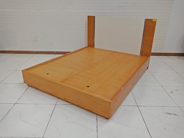 Giường gỗ cũ SP009219