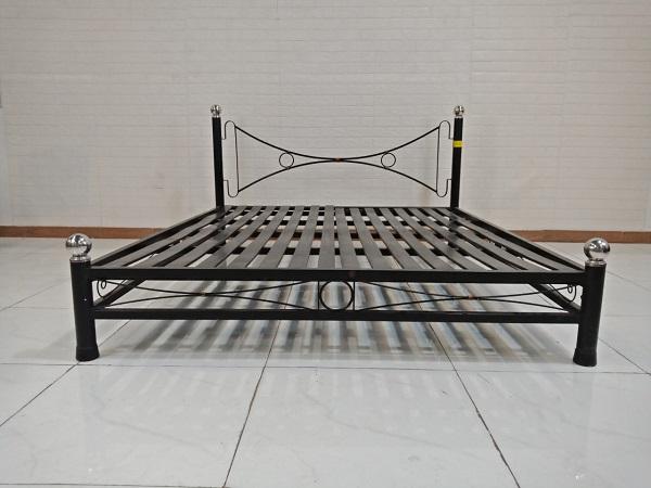 Giường sắt cũ SP009261