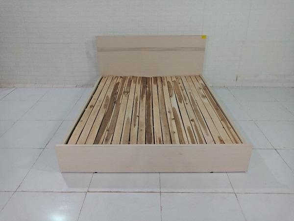 Giường gỗ cũ SP009246.1