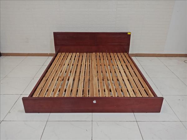 Giường gỗ cũ SP009252