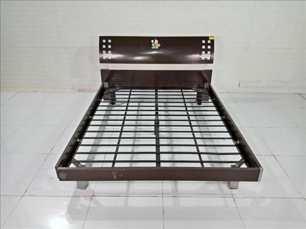 Giường gỗ cũ SP009303