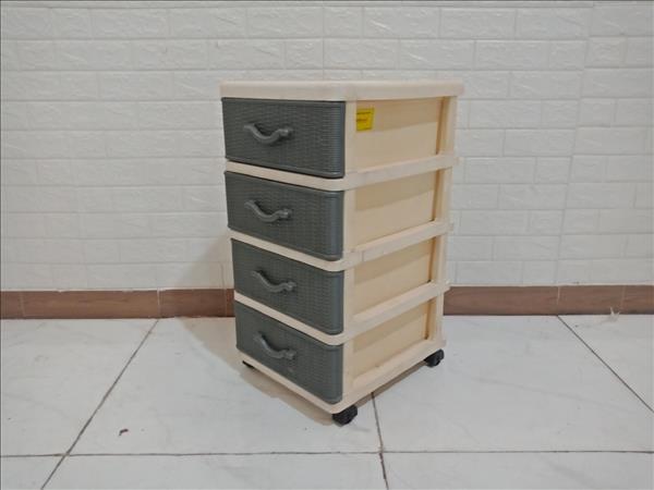 Tủ nhựa cũ SP009373.1