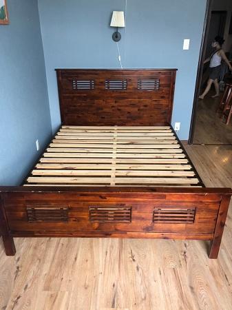 Giường gỗ cao su cũ SP013765