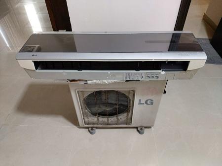 Máy lạnh LG 1.0HP LS-C096ZRLO cũ SP013876
