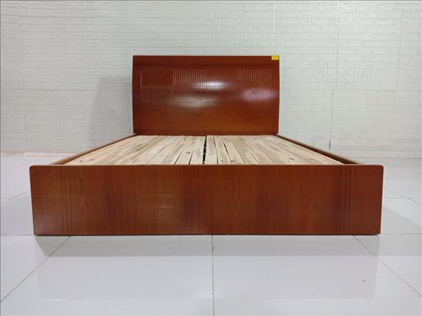 Giường gỗ cũ SP009884