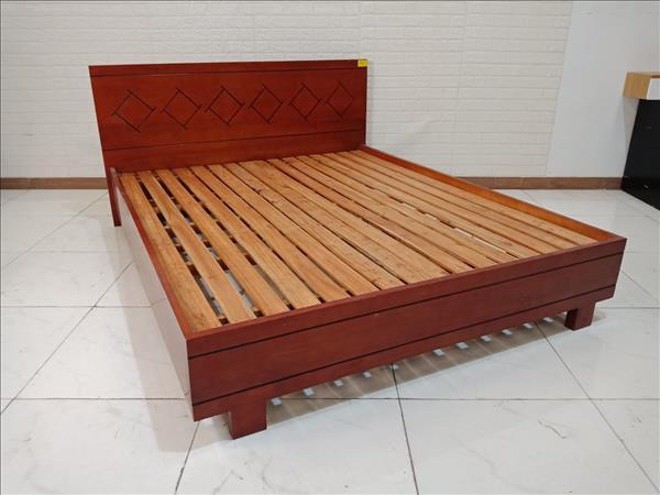 Giường gỗ Xoan đào cũ SP009807