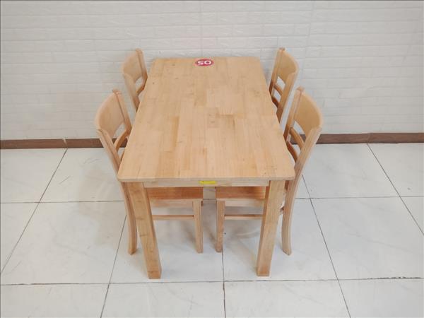 Bộ bàn ăn gỗ cao su SP009729