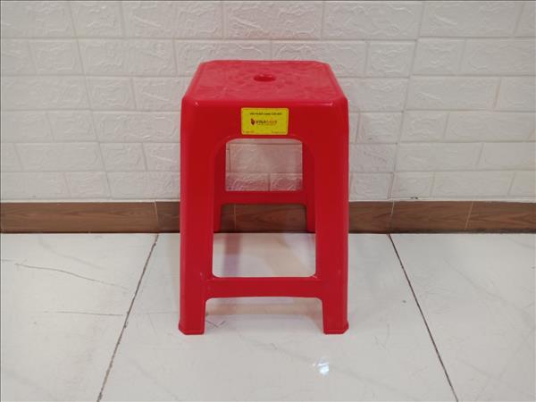 Ghế nhựa cũ SP006798