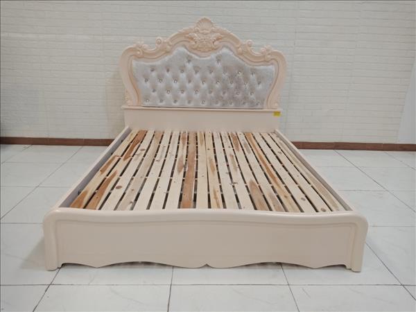 Giường gỗ cao su cũ SP009961