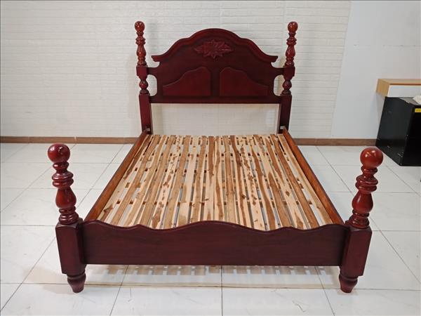 Giường gỗ cũ SP009742