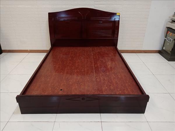Giường gỗ SP009848