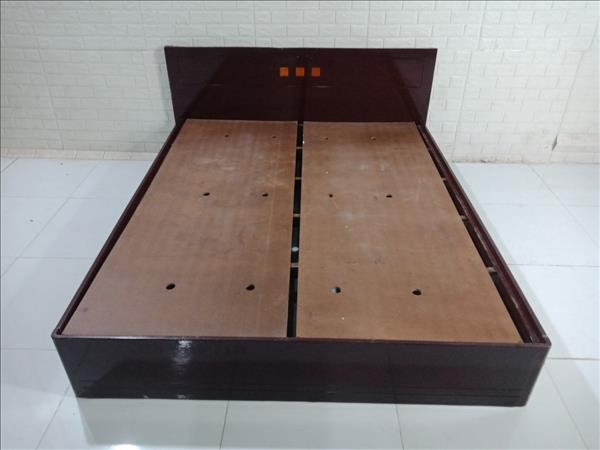 Giường gỗ SP010100