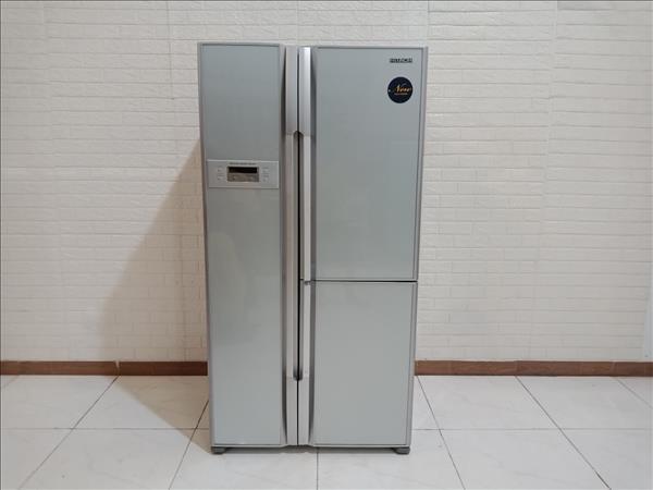 Tủ lạnh Hitachi R-M700EG8 cũ