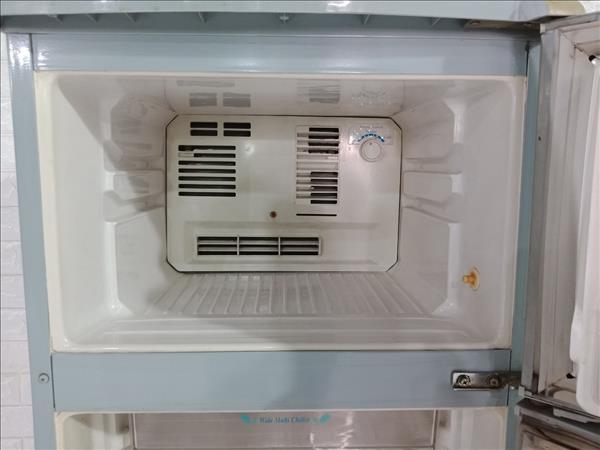 Tủ lạnh Hitachi R-15A1GV cũ SP009874