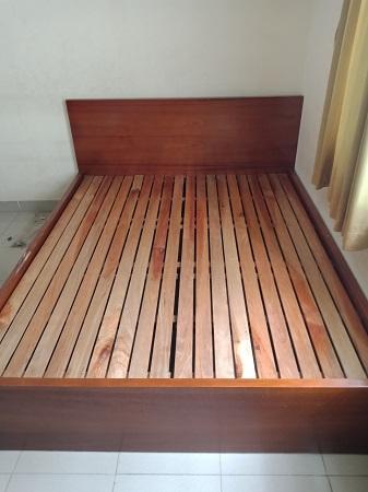 Giường gỗ MDF cũ SP014218