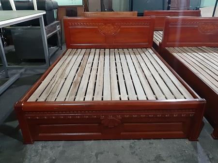 Giường  gỗ tự nhiên cũ SP013517.3