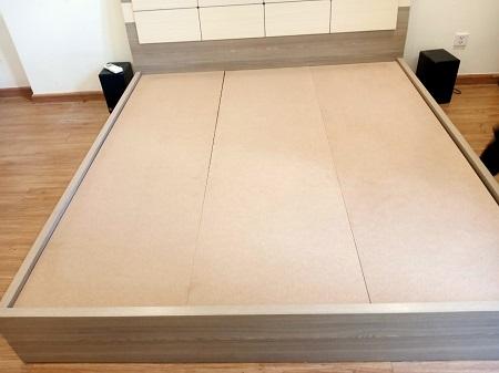 Giường  gỗ MDF cũ SP014101